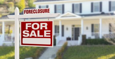 buying a foreclosed home at auction